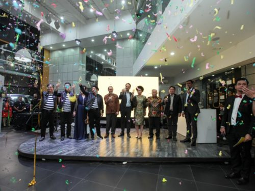 Renault Showroom Opening